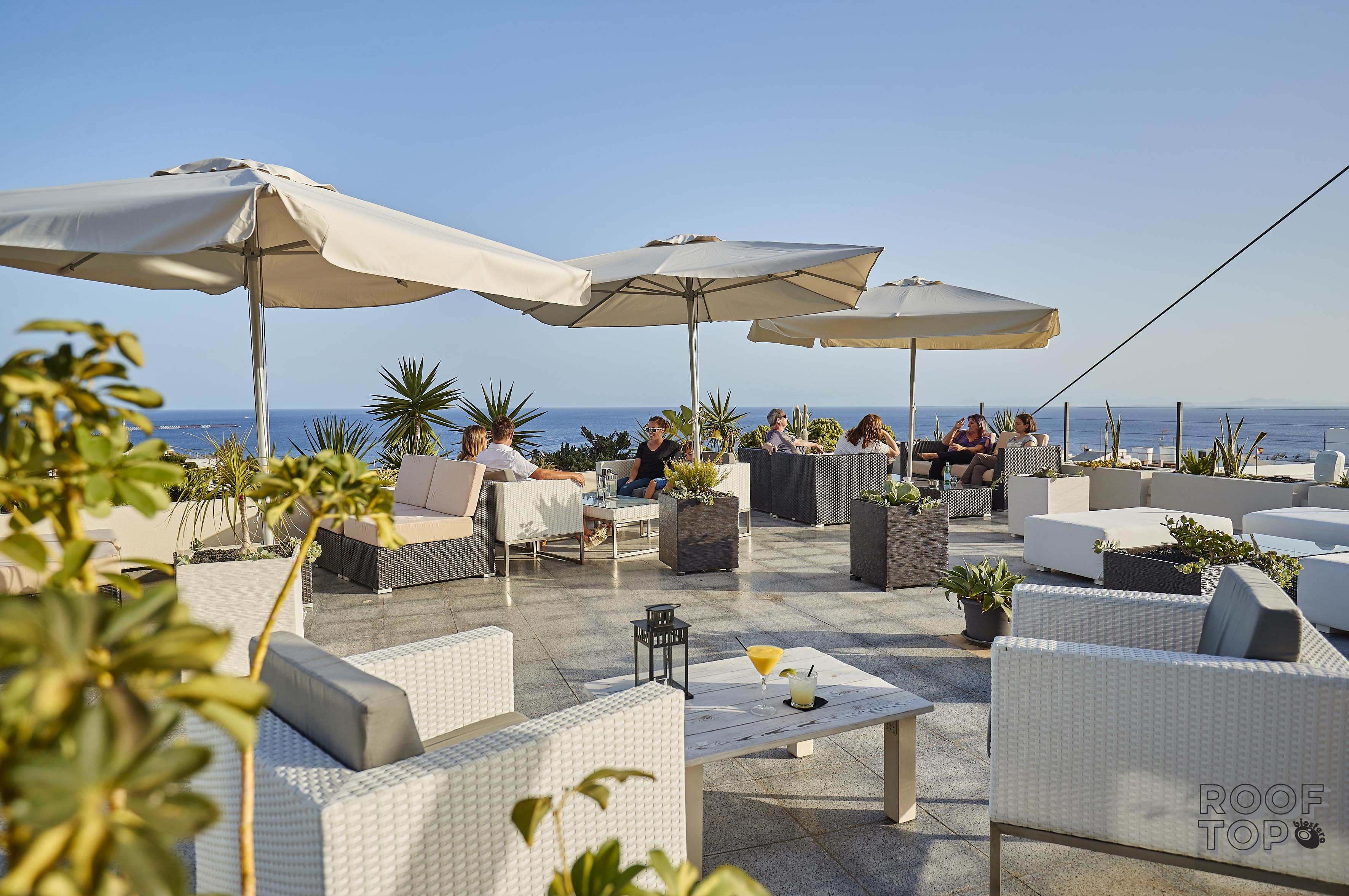 Daytime chillout Cocktail Lounge in Puerto del Carmen #RooftopLanzarote